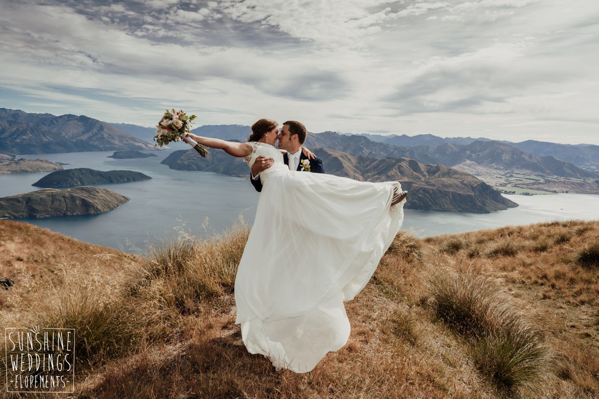 wedding couple coromandel peak wedding